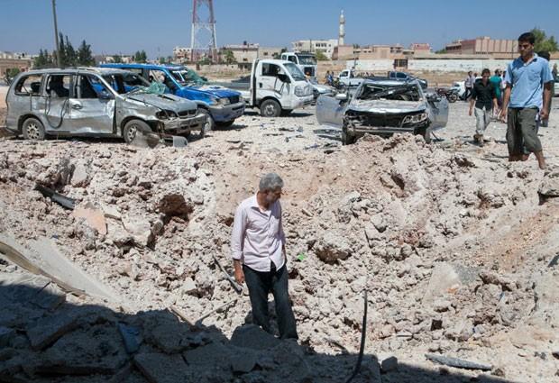 Rebeldes sírios avançam para cidade na região norte do país Foto-1_13