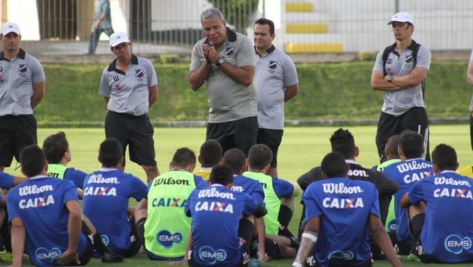 ABC - Hélio dos Anjos - jogadores (Foto: Divulgação/ABC)