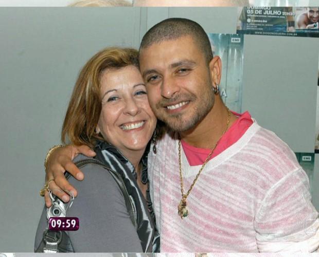 Diogo Nogueira posa com a mãe (Foto: Mais Você/TV Globo)