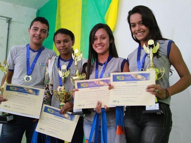 Alunos receberam certificados (Foto: Divulgação/Prefeitura de Campos)