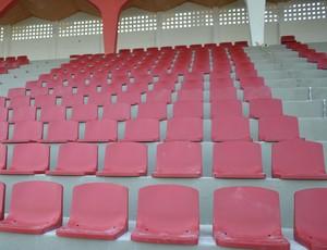 Uma parte das cadeiras para o público já foram colocadas (Foto: Felipe Martins)