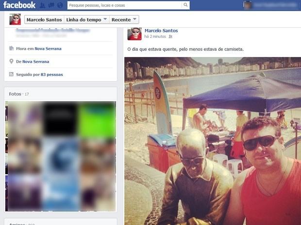 Marcelo Santos usa a camiseta que foi ironizado por professora universitária (Foto: Reprodução / Facebook)
