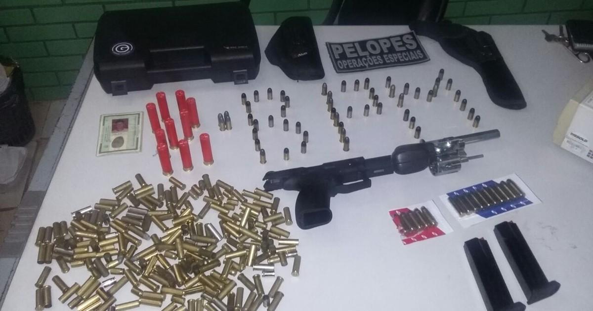 PM apreende armas e munições em União dos Palmares, Alagoas - Globo.com
