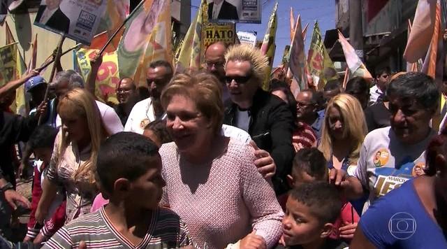 Marta Suplicy faz campanha na Zona Leste