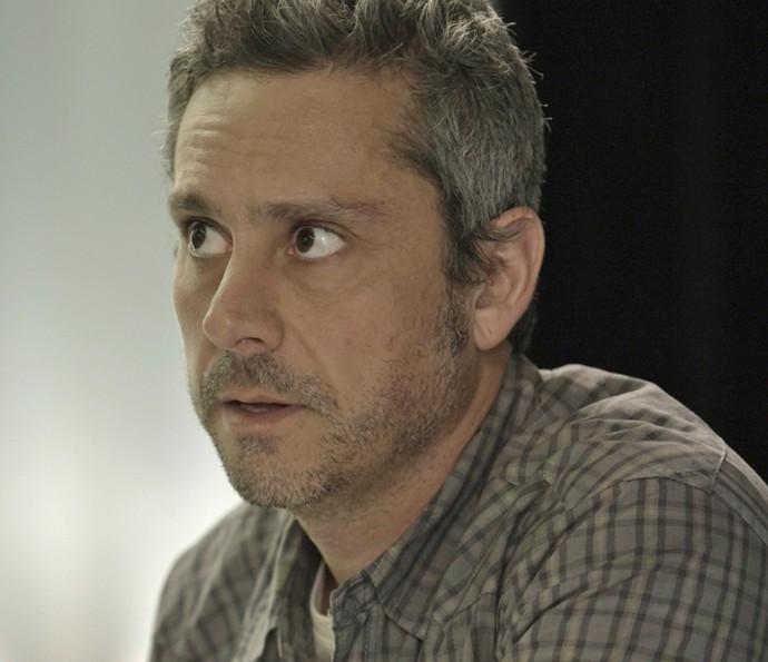 Romero diz para Tóia que não quer mais cuidar das finanças da morena (Foto: TV Globo)