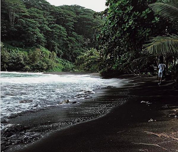 Um registro compartilhado por Halle Berry de suas férias em bora Bora (Foto: Instagram)