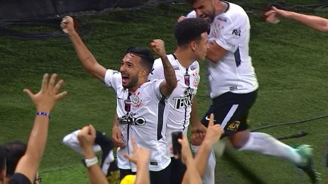 Corinthians x Coritiba - Campeonato Brasileiro 2017-2017 ... 1e82573651ae8