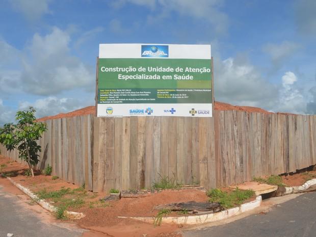 Depois de pronto, o novo hospital terá 95 leitos disponíveis para os pacientes (Foto: Rogério Aderbal/G1)