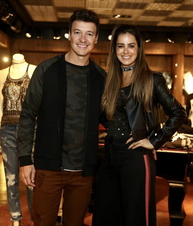 Rodrigo Faro e Vera Viel (Foto: AG NEws)