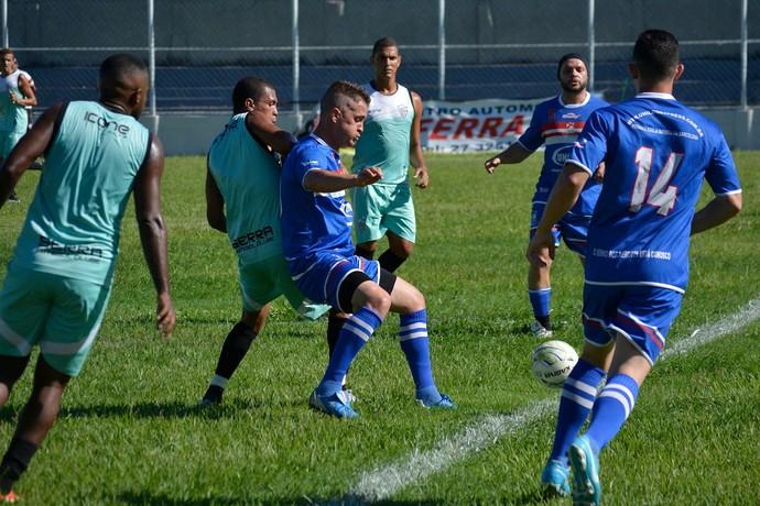 O Serra venceu um time amador em jogo-treino neste sábado (Foto: Adriano Barbosa)