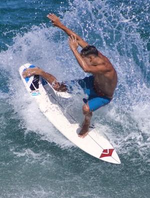 BLOG: Pés trocados: Gabriel Farias coloca surfe pelo avesso