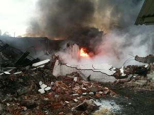 Incêndio em Navegantes (Foto: Bianca Ingletto/ RBS TV)