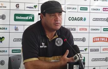 """Após vitória, técnico do ASA elogia Jean Carlos: """"Ganhou a posição"""""""