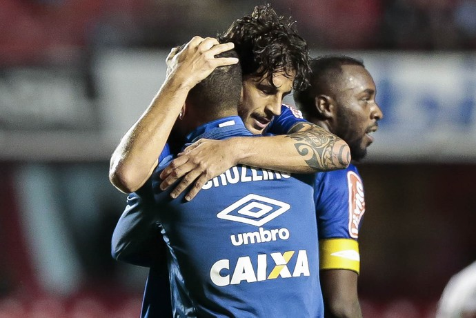 Hudson; Cruzeiro (Foto: Marcello Zambrana/Light Press)