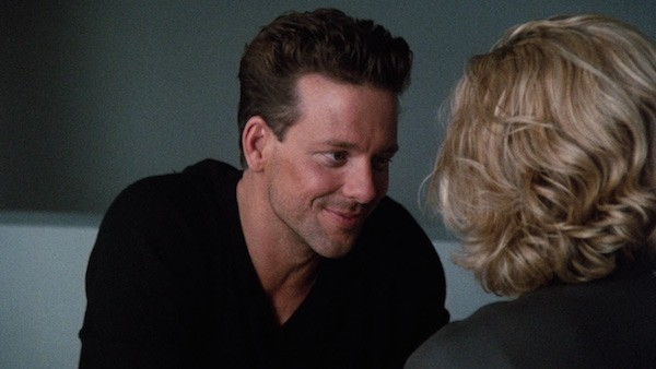 O ator Mickey Rourke em cena de 9 Semanas e 1/2 de Amor (1986) (Foto: Reprodução)