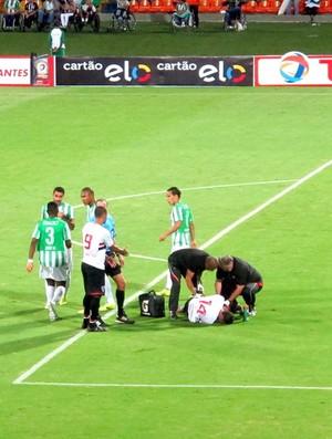 Alan Kardec, machucado são paulo (Foto: Marcelo Prado)