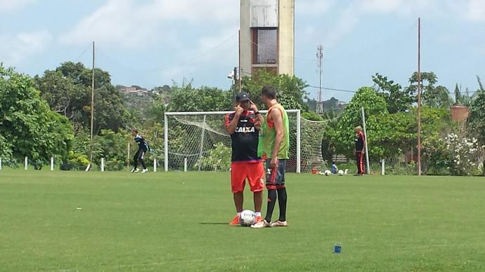 Muricy Ramalho durante treino do Flamengo no Recife (Foto: Raphael Zarko / GloboEsporte.com)