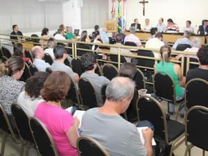 Audiência contou com a presença de moradores, Casan e órgãos da Prefeitura (Foto: Édio Hélio Ramos/Divulgação)