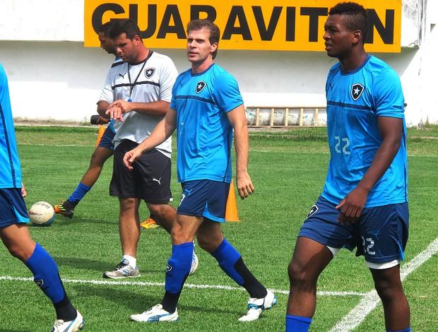 Tulio no treino do Botafogo (Foto: Thiago Lima / Globoesporte.com)