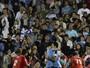 Cavani desfaz mal-entendido com Suárez e reforça amizade entre eles