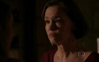 Dorotéia repreende Melissa por sabotar o espumante de Felipe