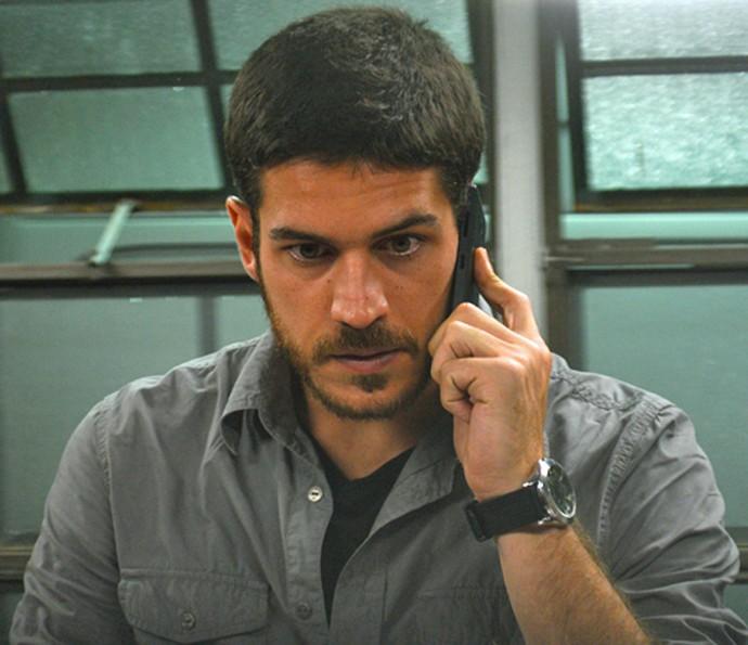 Dante recebe telefonema de Conceição (Foto: Pedro Carrilho/ Gshow)