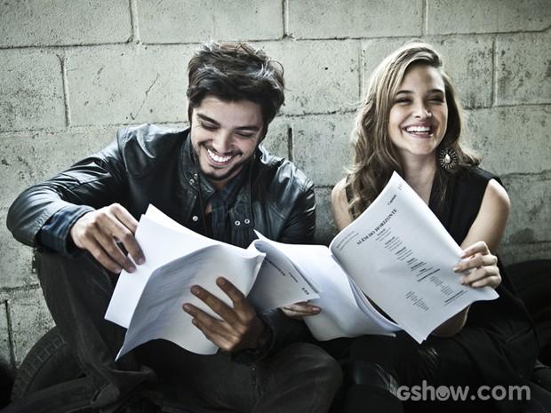 A dupla não desapega do trabalho e se prepara para as últimas emoções de Além do Horizonte (Foto: Marcelo Corrêa)