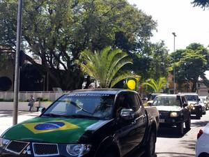 Clube Jeep de Piracicaba seguiu carreata até a Paulista  (Foto: Thainara Cabral/G1)
