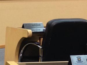 Cadeira que era ocupada pelo vereador renunciado Alceu Bueno em campo Grande. (Foto: Rodrigo Grando/TV Morena)