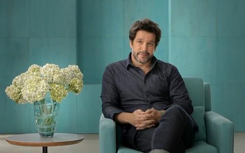 """Murilo Benício se derrete por Débora Falabella: """"Eu percebo quando ela se arruma para mim"""""""