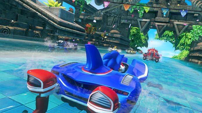 A cada nova volta de Sonic & Sega All-Stars Racing Transformed tudo pode acontecer, seja na terra, água ou ar (Foto: Reprodução/PlayStation)