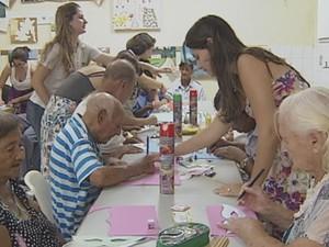 Idosos participam de projeto com estudantes da Unesp em Assis