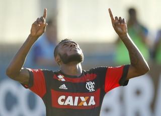 Cirino comemora gol diante do Bangu (Foto: Gilvan de Souza/ Flamengo oficial)