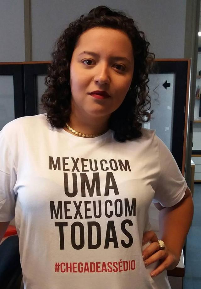 """""""A mulherada do Projac dá o papo reto!! #chegadeassedio #mexeucomumamexeucomtodas"""", escreveu Beatriz Pimentel (Foto: Reprodução/Instagram)"""