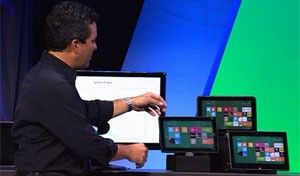 Michael Angiulo, VP da Microsoft, mostra linha de aparelhos com novo Windows 8 (Foto: Divulga&#231;&#227;o)