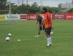 Rafael Moura, atacante do Inter (Foto: Tomás Hammes / GLOBOESPORTE.COM)