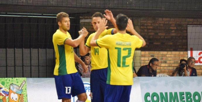 Brasil x Peru, eliminatórias da copa do mundo, futsal (Foto: Luis Domingues/CBFS)