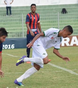 Bruno Tubarão, Cabofriense x Bonsucesso (Foto: Andreia Maciel/ A.D Cabofriense)