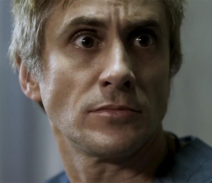 Nicolas Trevijano encena visão de Nando em 'Supermax' (Foto: TV Globo)