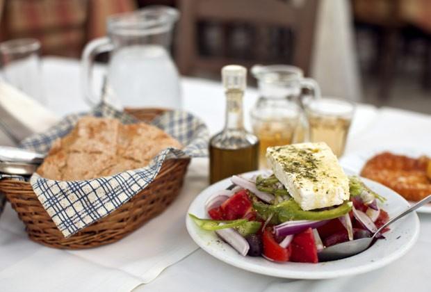 """""""Pão, drinques e sobremesa: você pode experimentar um, mas não os três"""", diz especialista (Foto: Think Stock)"""