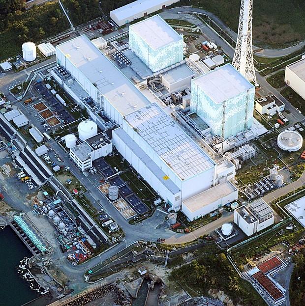 Imagem aérea da usina de Fukushima feita na quinta-feira (19) (Foto: Kyodo News/AP)