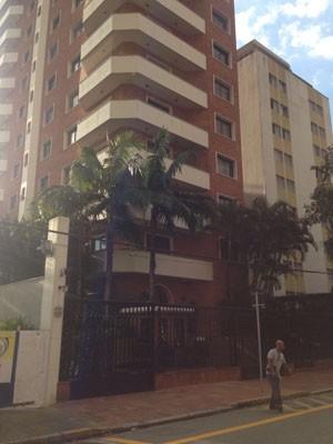Prédio onde mora Ronan Maria Pinto (Foto: Glauco Araújo/G1)
