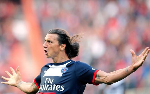 Ibrahimovic comemora gol do PSG contra o Guingamp (Foto: Agência Reuters)