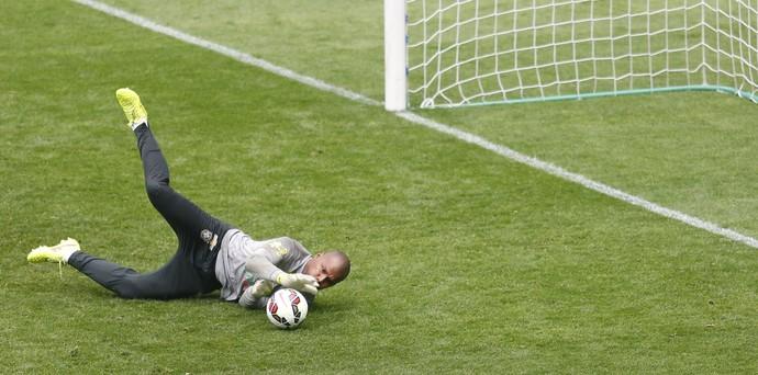 Goleiro Jefferson em treino da seleção brasileira (Foto: Bruno Domingos / Mowa Sports)
