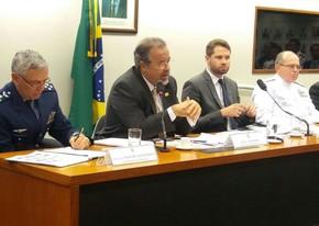 O ministro da Defesa, Raul Jungmann, durante audiência em comissão na Câmara (Foto: Bernardo Caram/G1)