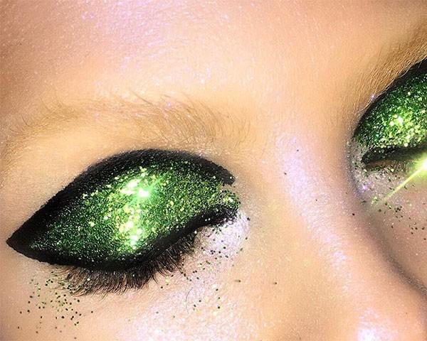 O glitter é a maior sensação de beleza do momento (Foto: Reprodução/Instagram)
