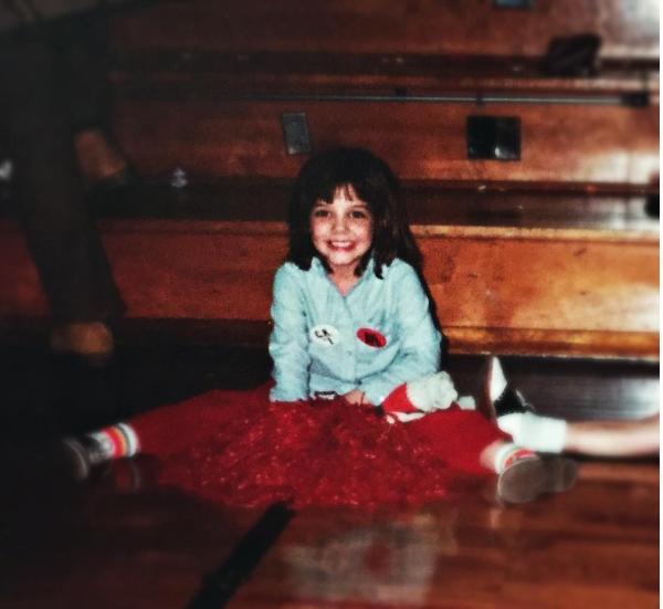 Katie Holmes aos seis anos (Foto: Instagram)