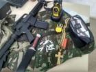 PM apreende cocaína, fuzil falso e  rádios transmissores após operação