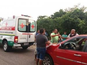 Mulher foi morta a tiros na frente da família (Foto: jornalesp.com)