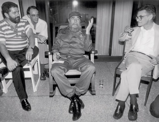 Líder do PT,Lula encontra Fidel Castro em Havana em 1989 com a estigmatização da direita no Brasil,Lula vira referência  da esquerda (Foto:  CRISTINA ZAPPA/AFP)